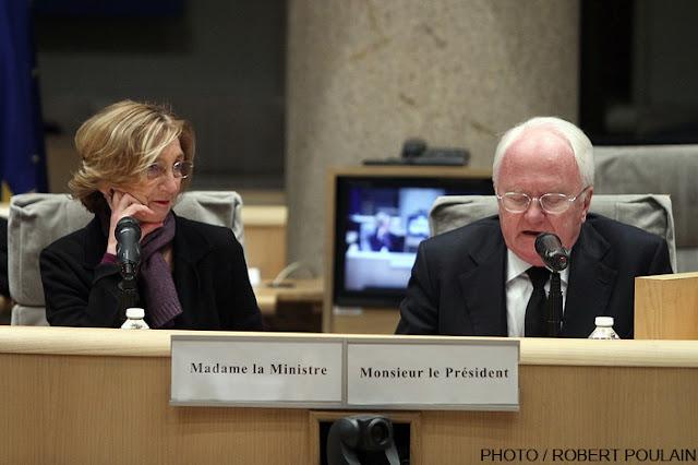 «Je suis la ministre de la mondialisation» dit Nicole Bricq en visite à Marseille(NDLR!!!)