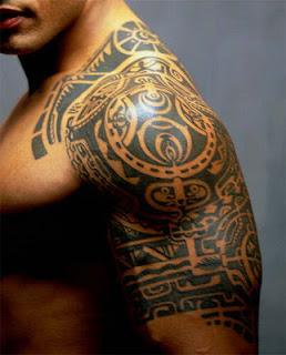 Tatouage Bras Homme Polynesien