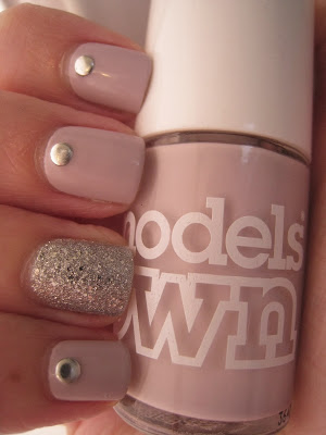 Bourjois-It's-Raining-Stars-silver-pink-Models-Own-Utopia