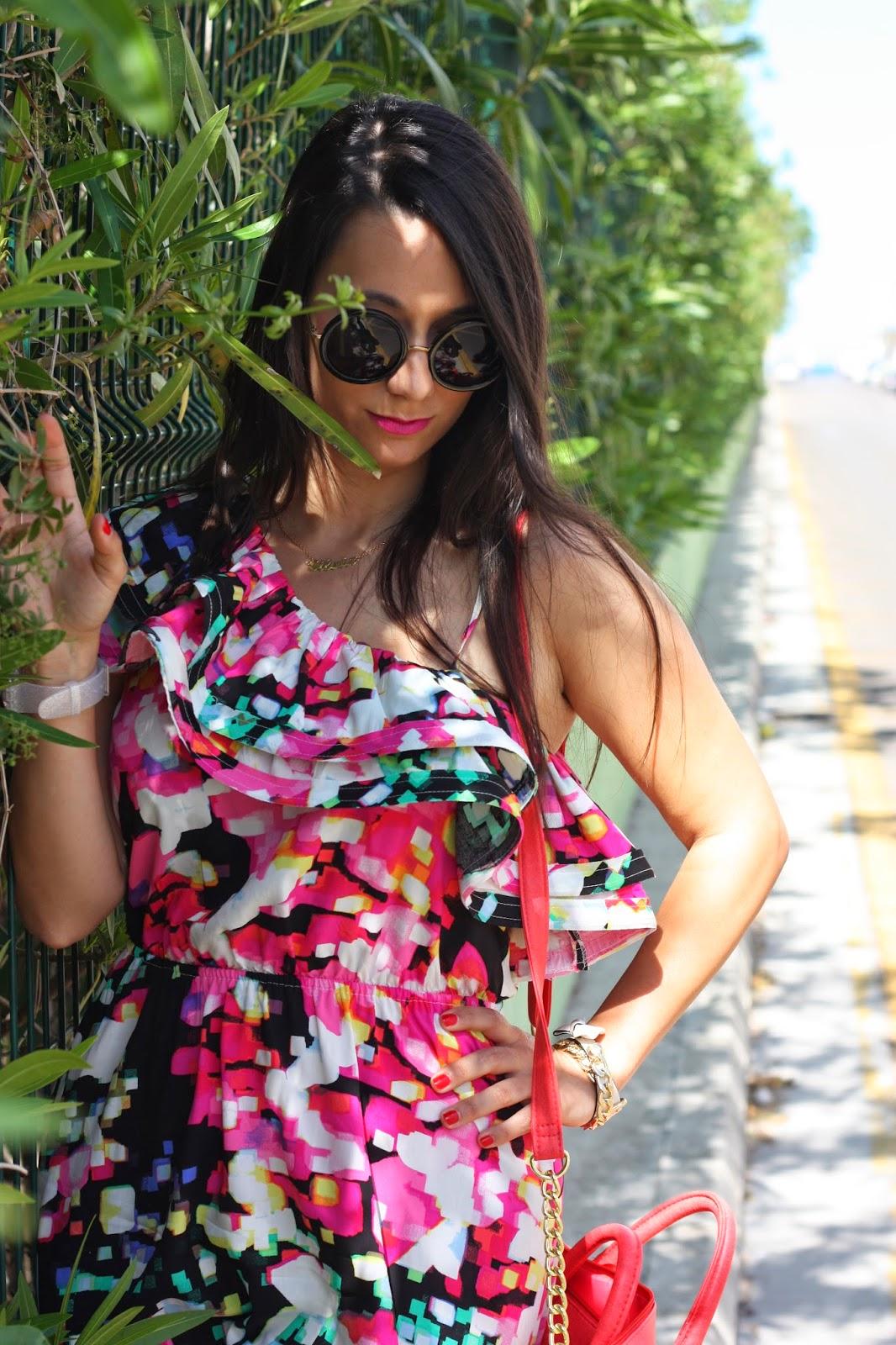 http://silviparalasamigas.blogspot.com.es/2014/05/vestido-estilo-mejicano.html