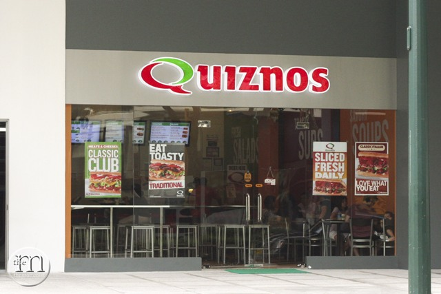 Quiznos Manila entrance