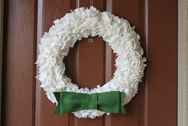 fleece rags wreath tutorial