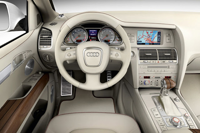 2008 Audi Q7 V12 TDI quattro Front Interior