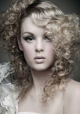 Unique Look for Prom Hairstyles 2013