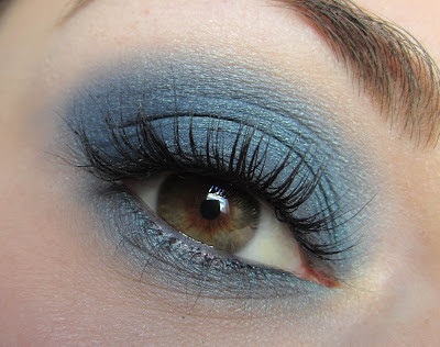 http://chroniquedunemakeupaddict.blogspot.com/2012/04/make-up-bleu-lagon.html