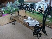 Миниатюрная скамейка