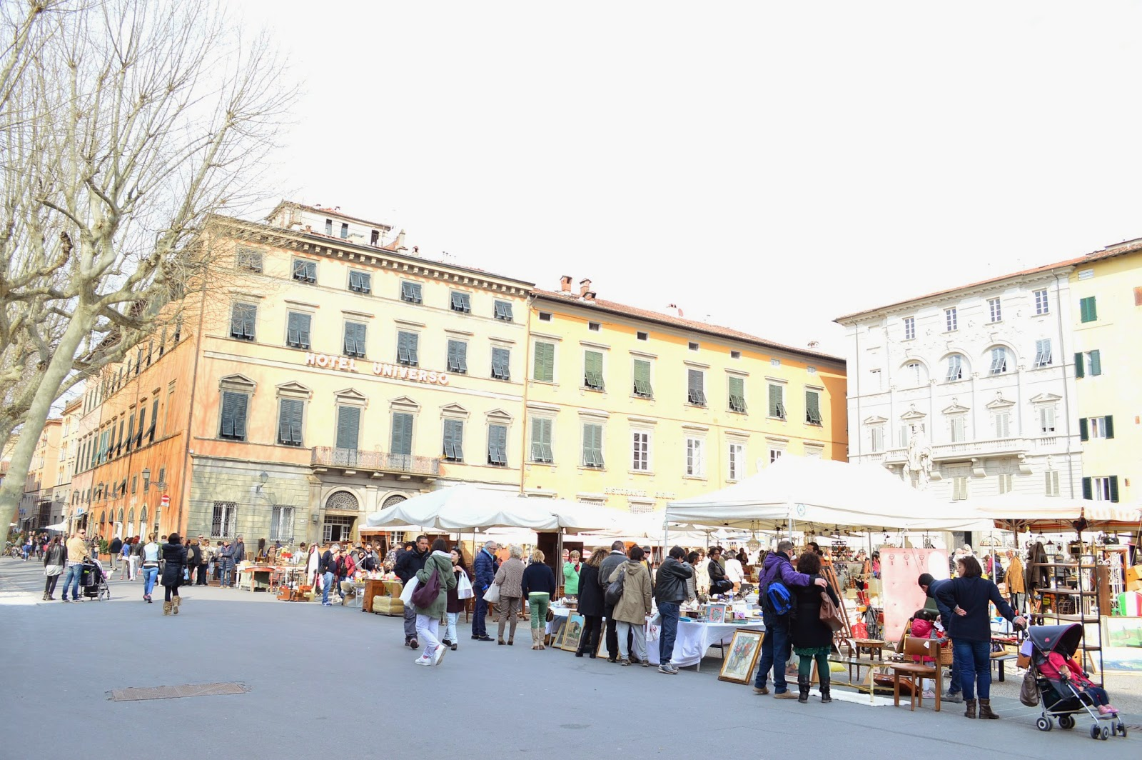Sento i pollici che prudono places i suggest mercato for Mercato antiquariato lucca