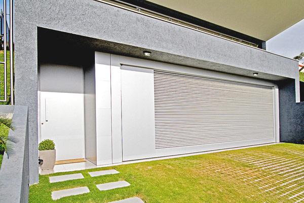 Hogares frescos arquitectura moderna casa dlw for Garajes modernos interiores