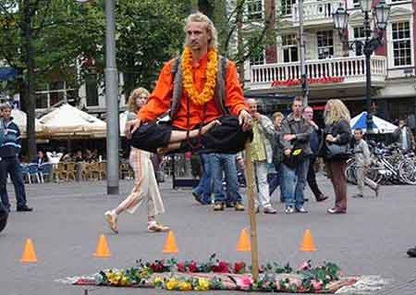 Levitando en la calle