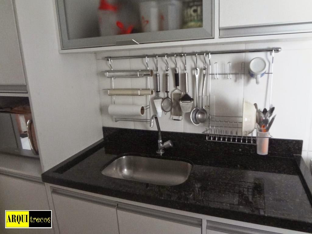 blog de decoração Arquitrecos: Escorredor de pratos de parede e  #BEBE0D 1024x768 Bancada Banheiro Rj