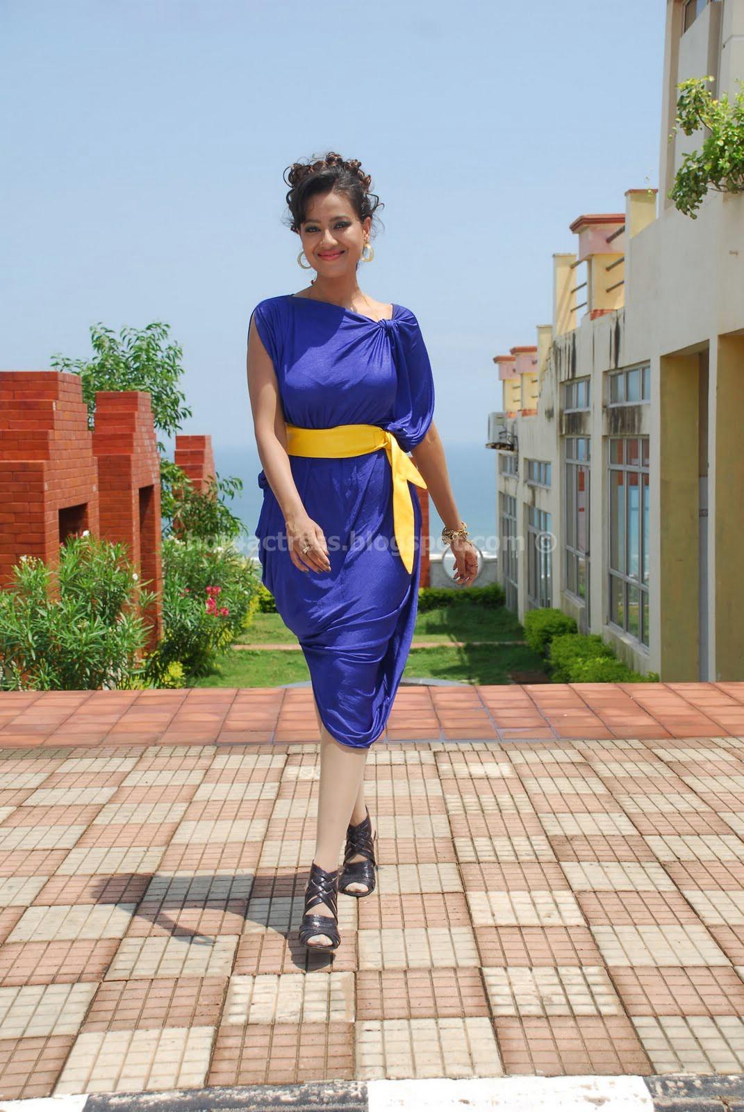 Madalsa sharma hot and sexy photo gallery