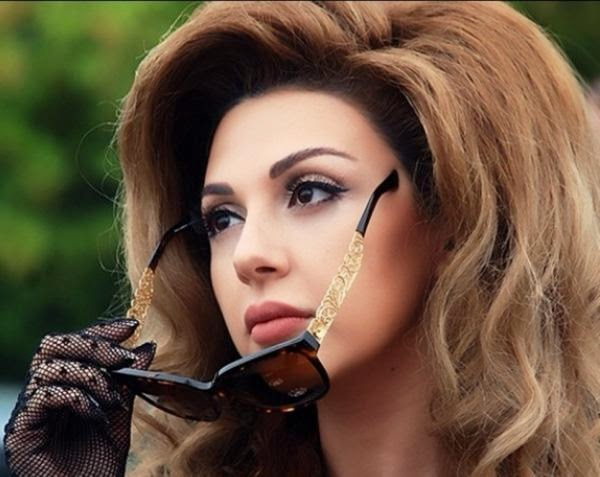 http://pictures4girls.blogspot.com/2014/10/lebanese-singer-myriam-fares-wonderful.html