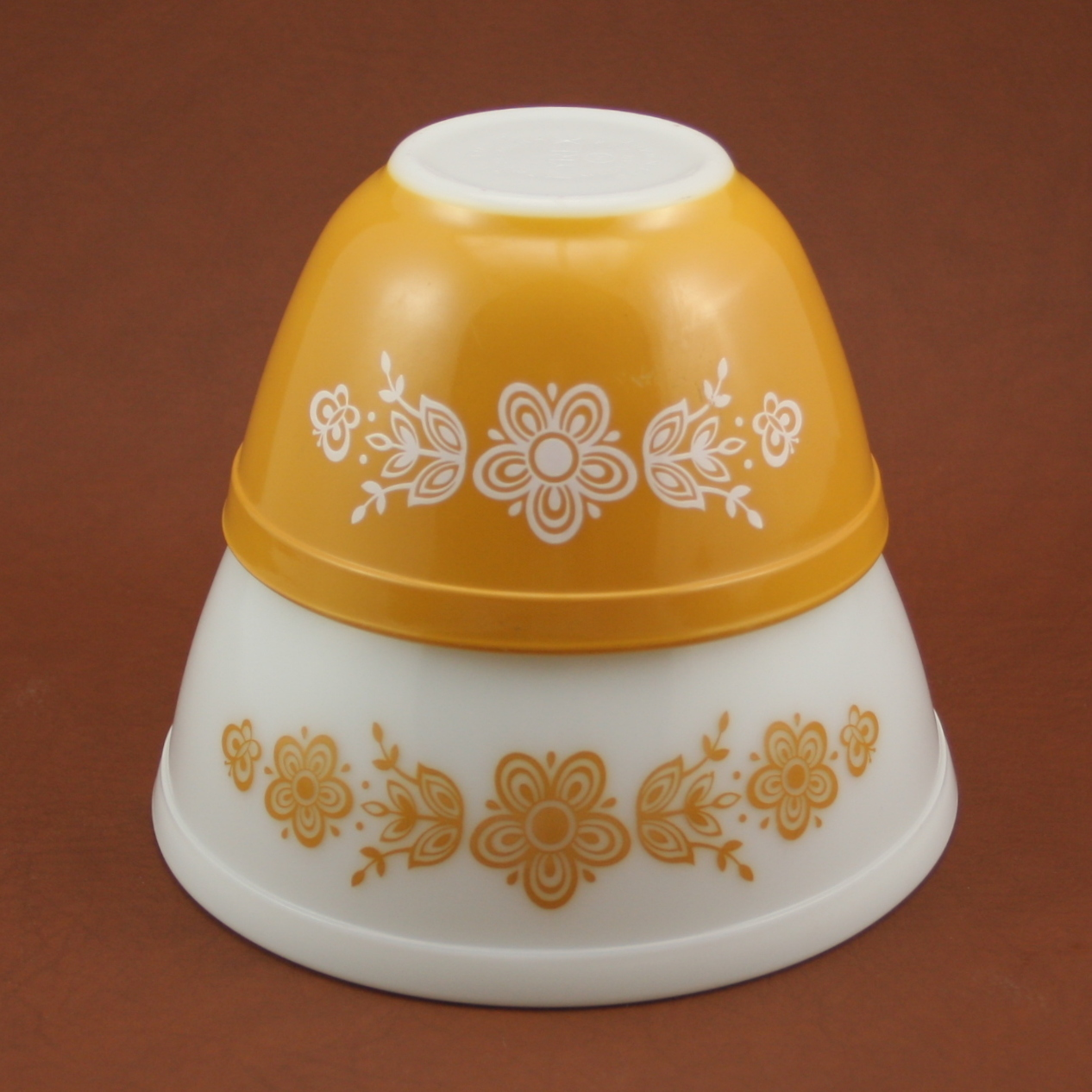charmings collectibles vintage pyrex bring a vintage look to your kitchen with pyrex