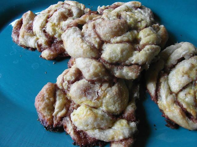 cinnamon rolls czyli drżdżówki cynamonowe