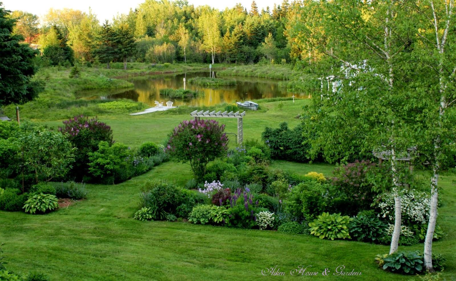Aiken house gardens in an english country garden for Aiken house