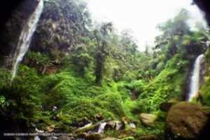 Air Terjun Kembar Coban Watu Ondo