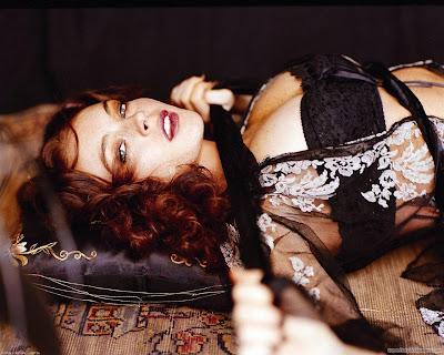 Lindsay Lohan Glamorous Actress Wallpaper-1600x1200