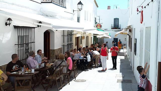 Conil de la Frontera is een typisch Andalusisch dorp met smalle straatjes en gezellige tapasbars