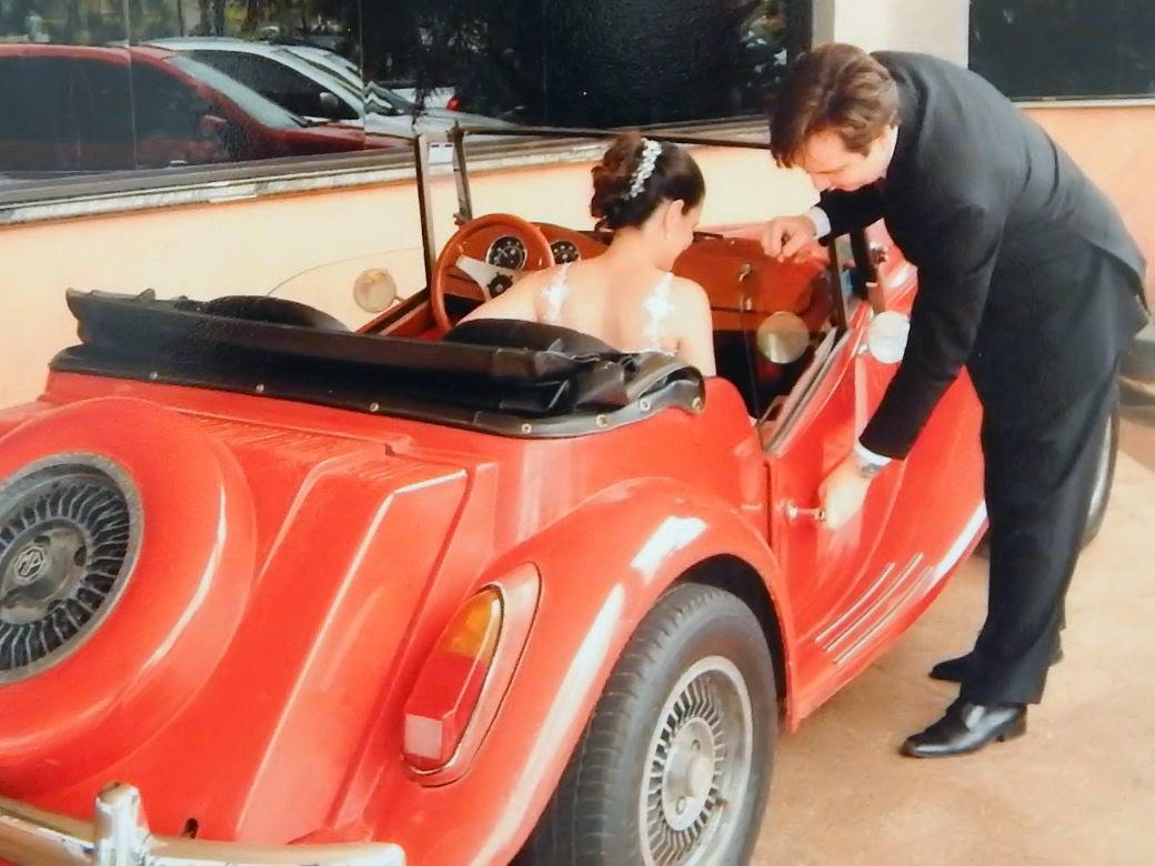 Campanha por um mundo mais gentil: homens que se prezam abrem a porta do carro para as mulheres. (Foto: D'J Martinez)
