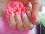 Tus uñas merecen los mejor...