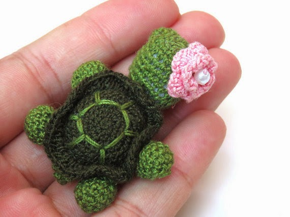 https://www.etsy.com/listing/189035250/back-to-school-crochet-miniature?ref=favs_view_3