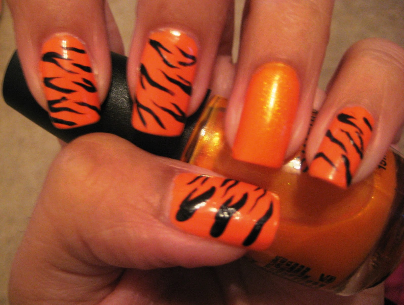 5 Finger Discount: Cute Holiday Nail Art on a budget: Tiger Nails ...