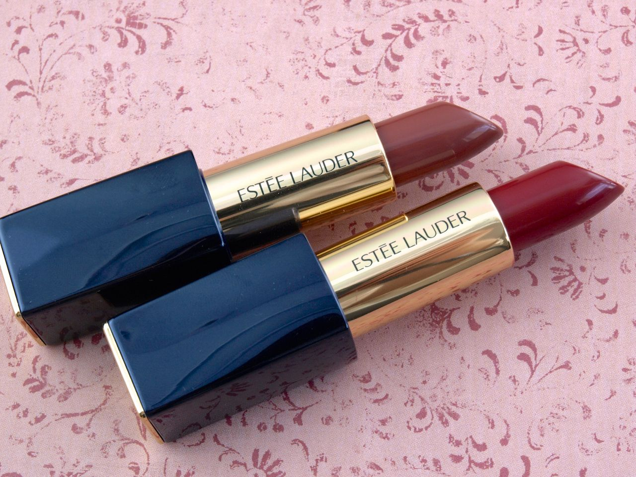 "Estée Lauder Pure Color Envy Sculpting Lipstick in ""Dangerous"" & ""Thrilling"": Review and Swatches"