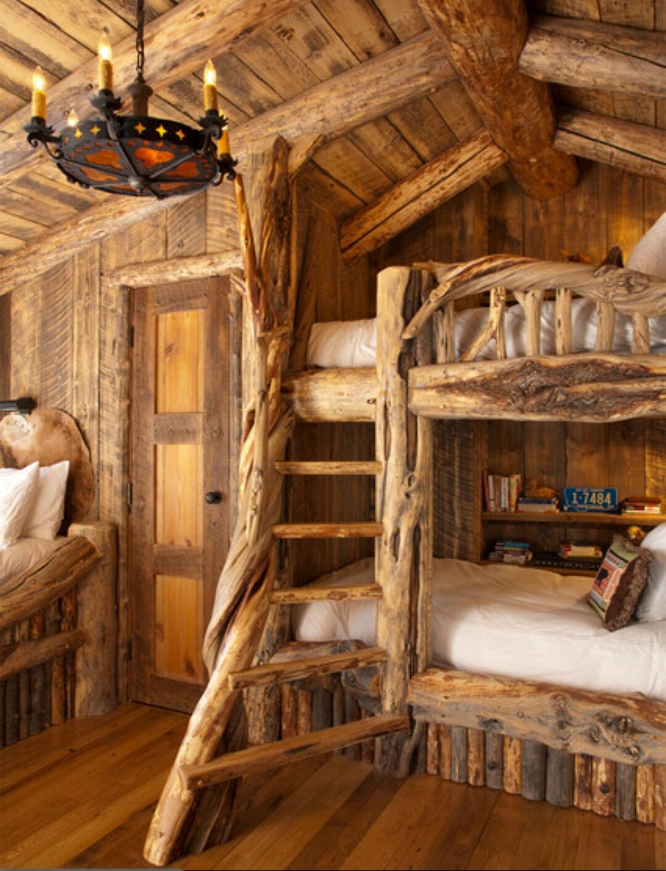 Комната из дерева интерьер