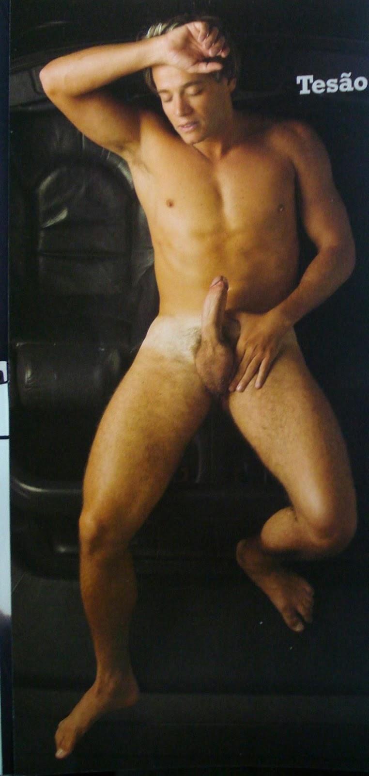 19 anos se masturbando e gozando no chuveiro 4