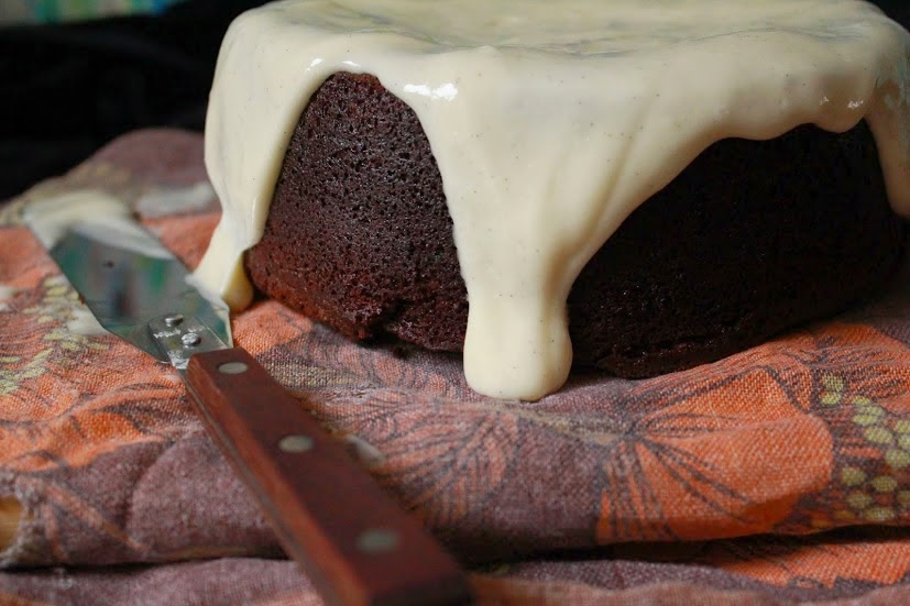 A rich, dark and moist cake. Perfect for rainy Sunday afternoons. With chocolate, Guinness and vanilla.