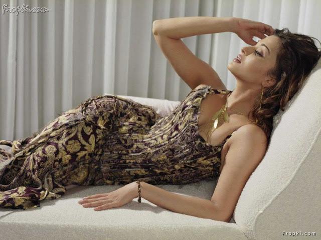 Aishwarya Rai showcasing her bottom 6