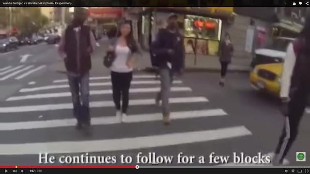 [Video] Reaksi Orang Pada Wanita Berhijab & Wanita Berbaju Seksi