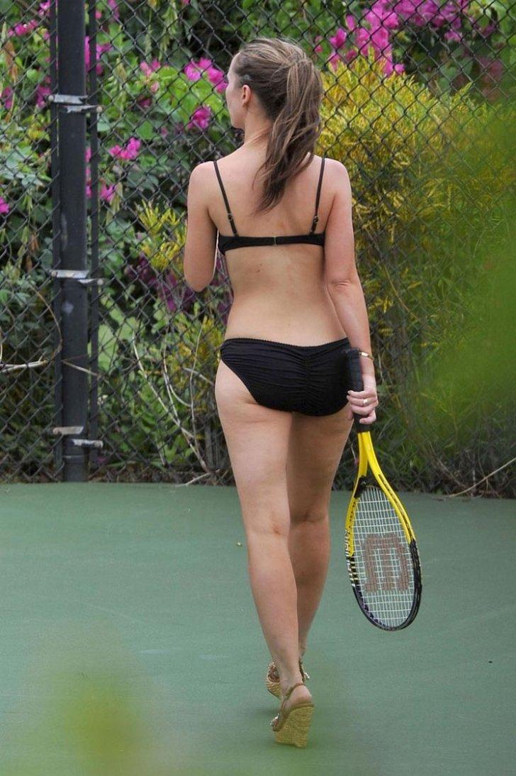 jennifer-love-hewitt-bikini-tennis-10-68