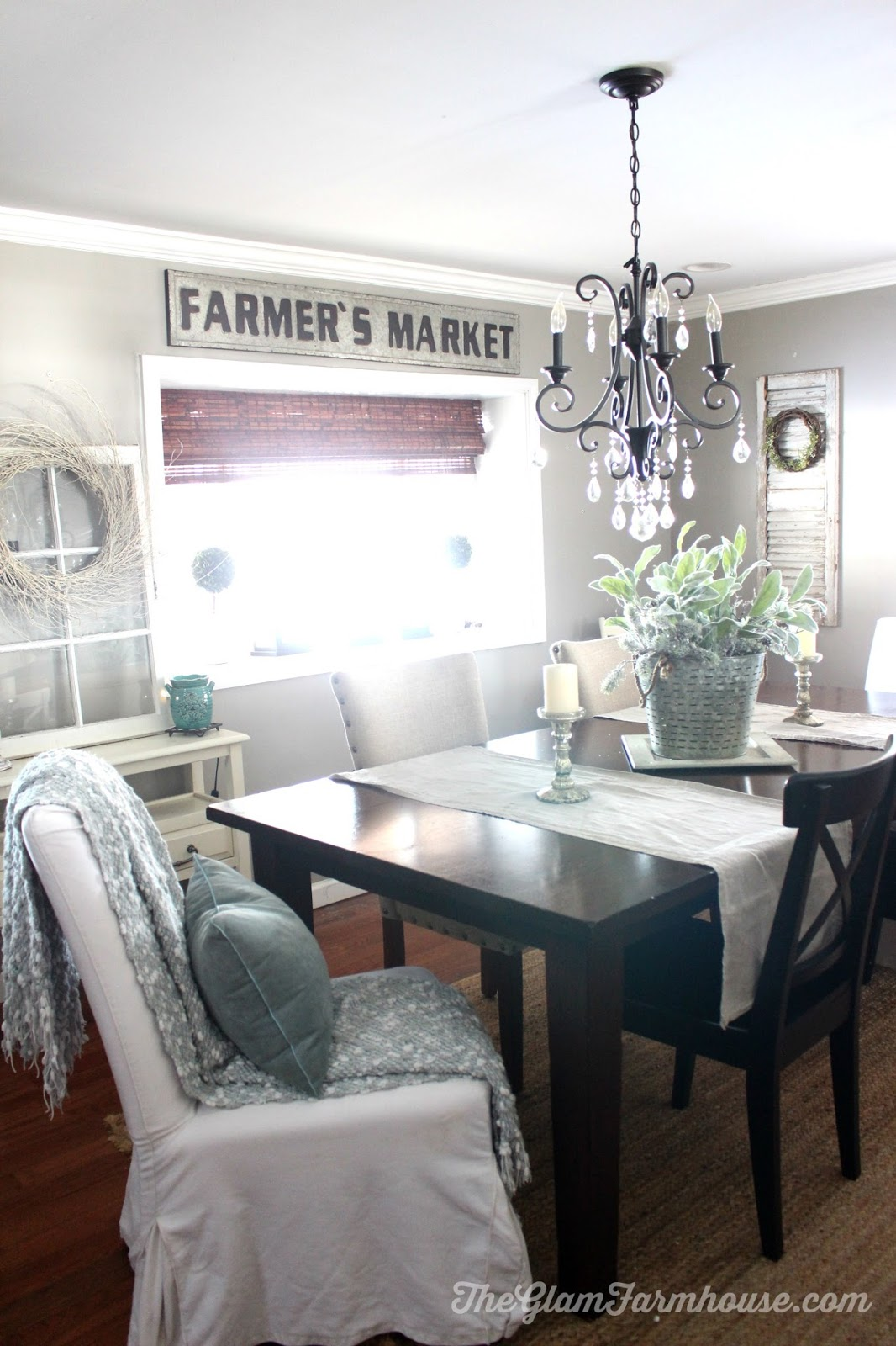 Easy Farmhouse Style Centerpiece - The Glam Farmhouse