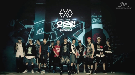 "EXO Siap Luncurkan Single Baru ""Growl"" Repackaged Album ""XOXO"""