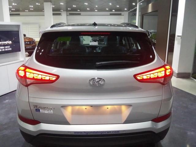 Xe Hyundai Tucson cạnh tranh trực tiếp với Honda Crv 08