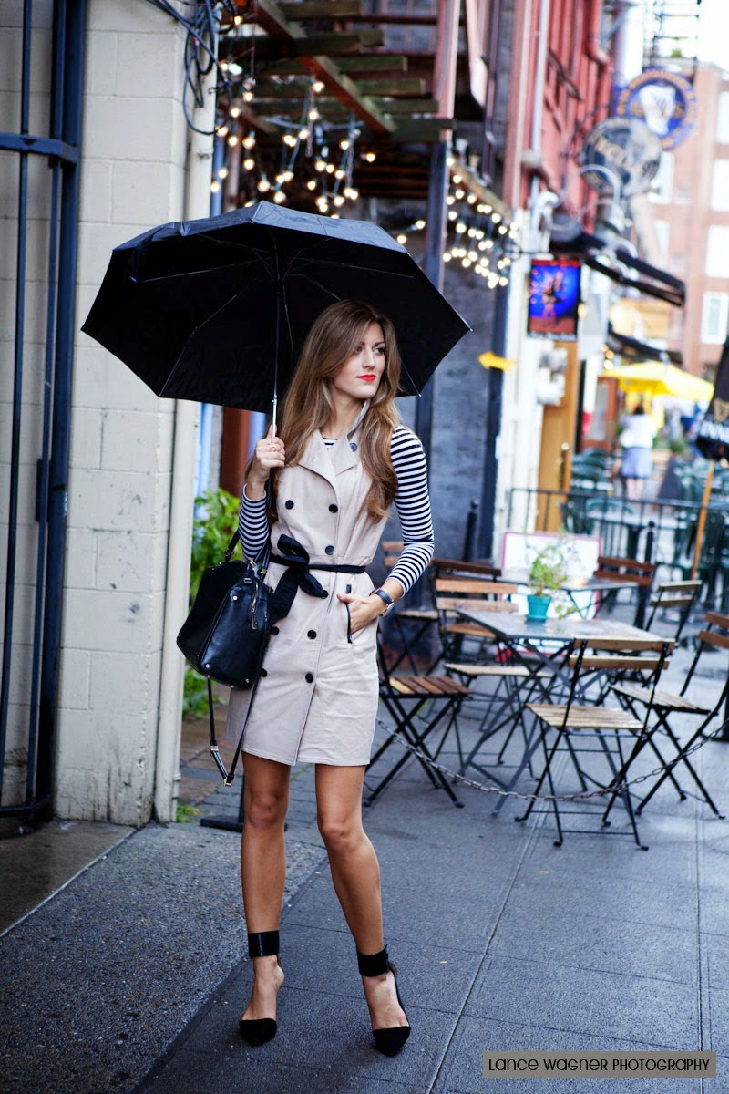 Brenna From Chic Street Style wearing Ann Taylor Trench Dress