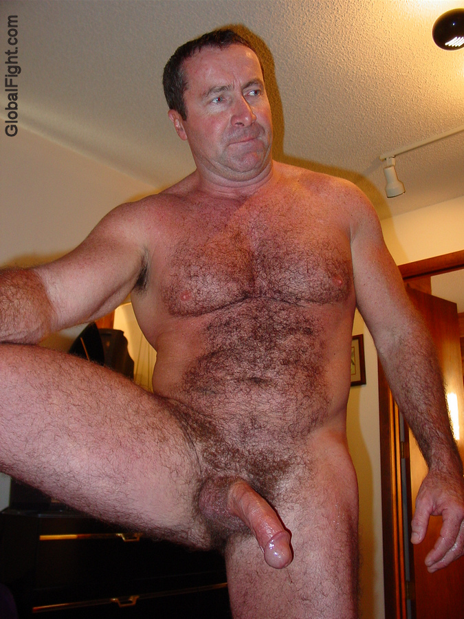 Free hairy gay men pics