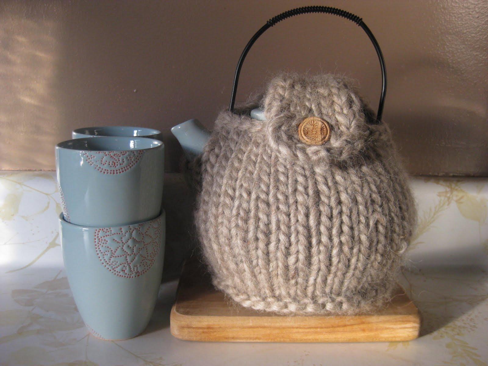 Foxandferne tea cozy