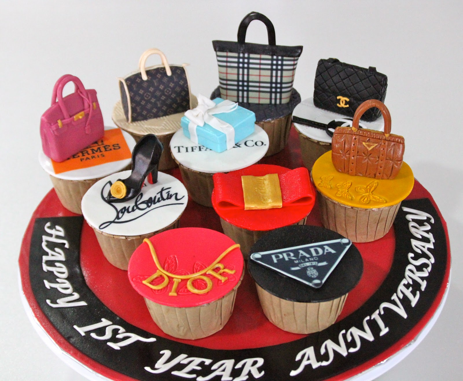 Celebrate with cake!: fashion anniversary cupcakes