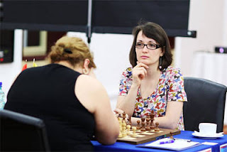 Échecs à Kazan: Ronde 8, Elina Danielian (2484) gagne face à Kateryna Lahno (2546) - Photo © Fide