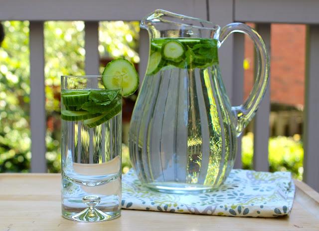 water wednesday: cucumber mint water
