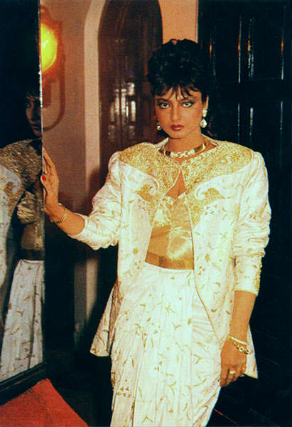 Insane Rekha Looks Deepika Padukone Should Try