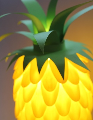 Pineapple lamp with plastic spoons