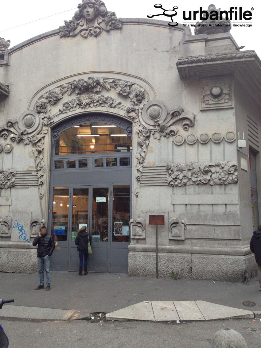 Urbanfile milano lo schifo davanti alla biblioteca di - Biblioteca porta venezia orari ...