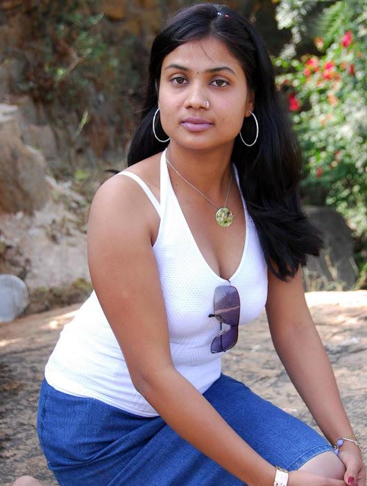 divya hot images