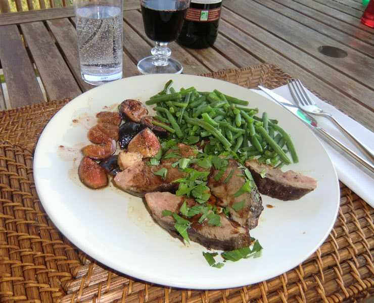 Duck breast with figs and quatre-epices recipe
