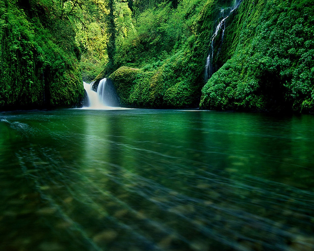 Mountain River Waterfall || Top Wallpapers Download .blogspot.com