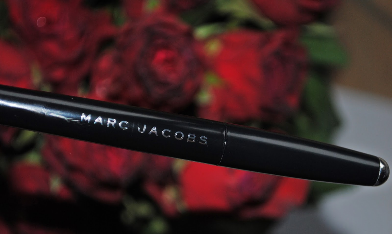 Magic Marc'er- eyeliner od Marca Jacobsa w kolorze Blacquer beautypediapatt.blogspot.com
