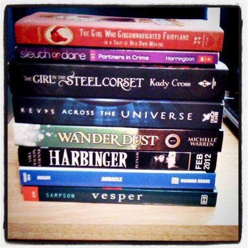 pile of books teen - photo #15